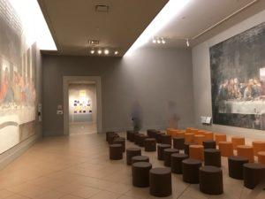 レオナルド・ダ・ヴィンチ作 「最後の晩餐」 修復前後を両方展示。 左:修復後、右:修復前 (大塚国際美術館)