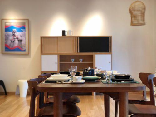 柳宗理記念デザイン研究所。 右上に見える鳥籠も、 柳宗理デザイン。