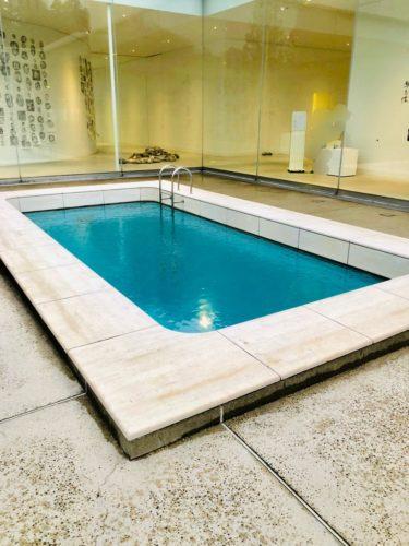 金沢21世紀美術館 「スイミング・プール」 上から見るとこんな感じ。