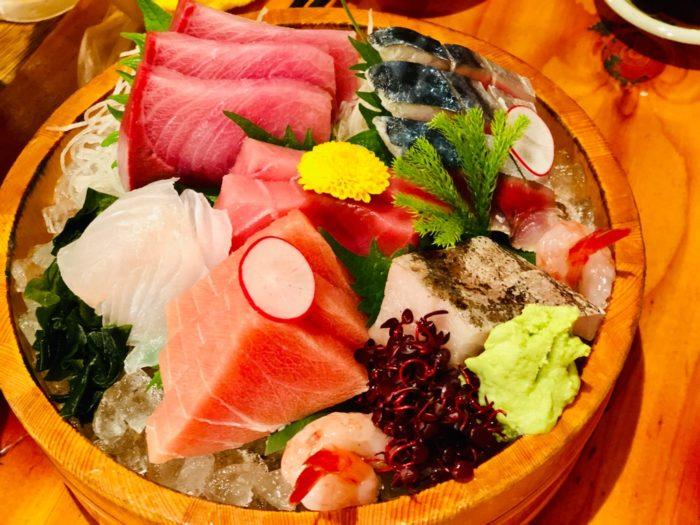 川端鮮魚店、刺身5点盛り。もう東京のお刺身を食べる気になれない…