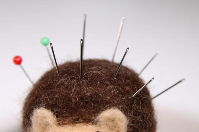 「めぼそ針」は、針穴の形状が違う。