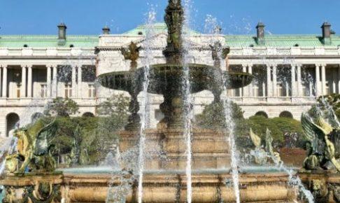 迎賓館赤坂離宮 主庭にある噴水(国宝)。 (筆者撮影)
