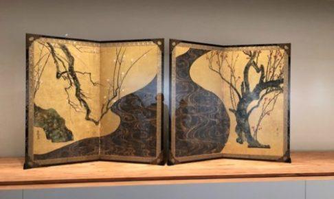 尾形光琳作「紅白梅図屏風」(国宝、MOA美術館)