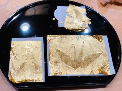 金箔を密着させると、多少ヨレが解消されたかな…?